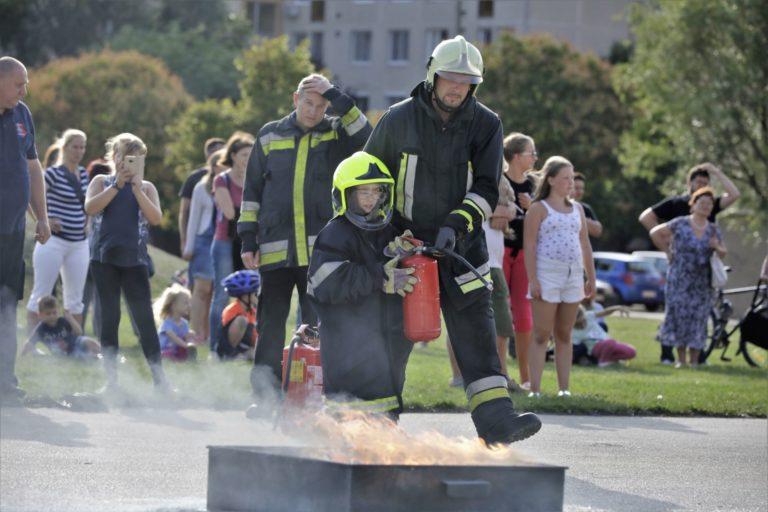 Adományoztak a fehérvári tűzoltók is